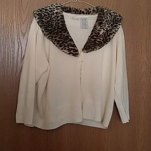 White & Stag Woman's Sweater